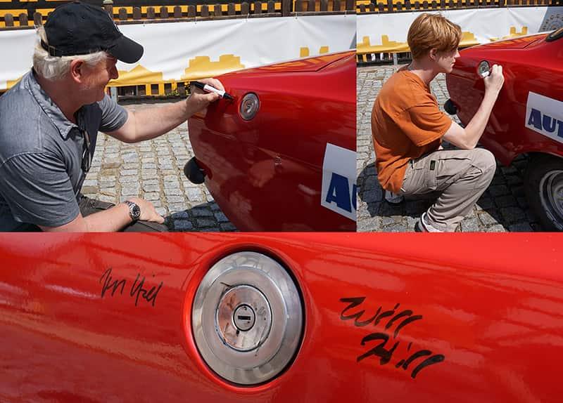 Jess und Will Hill beim Autogramme schreiben.