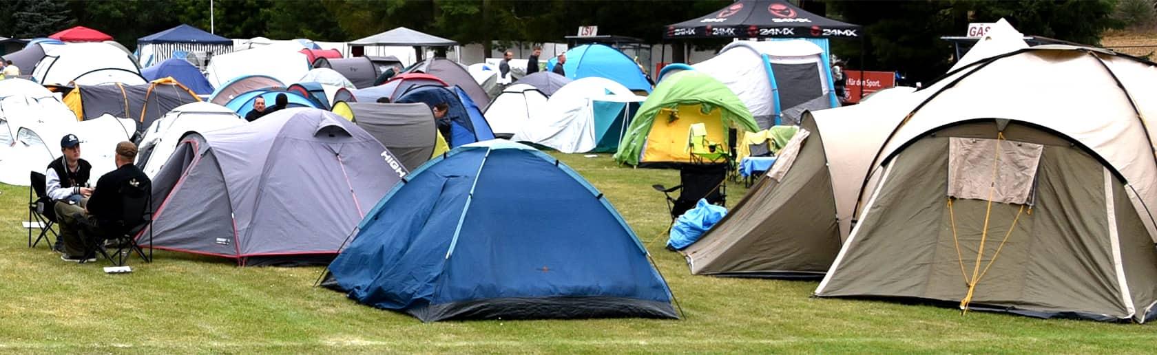 Campen beim Spencerhill Festival